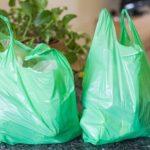 Ley de plásticos: se pagará impuesto por consumo de bolsas desde agosto de 2019